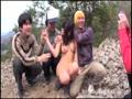 アダルト動画:登山に来た山ガールを狙った野外白昼レ○プ